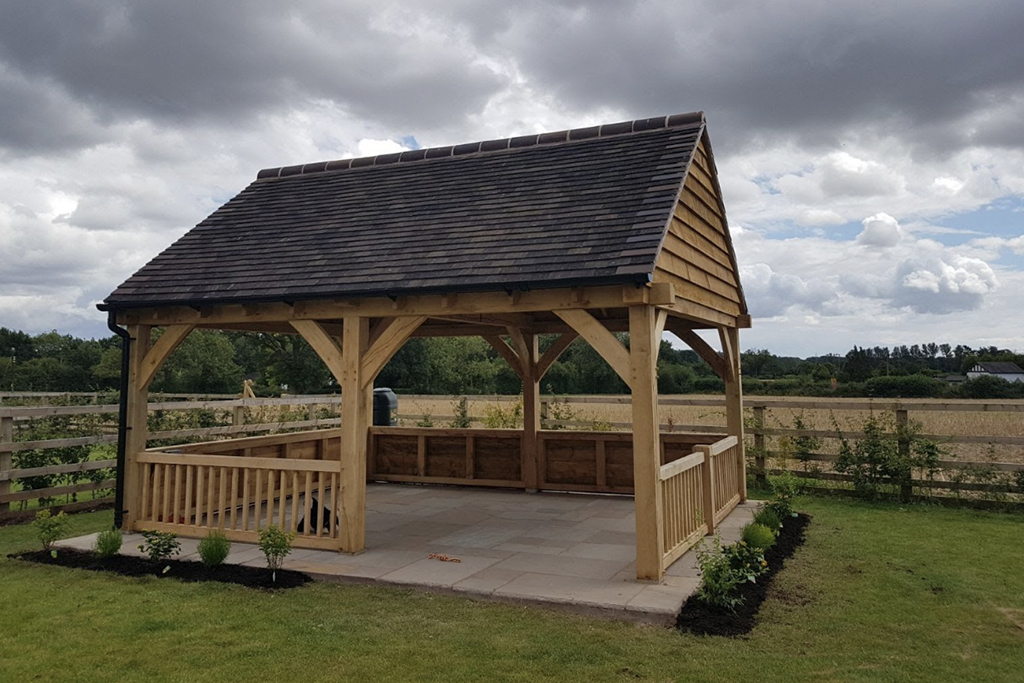 Bespoke Oak Shelter