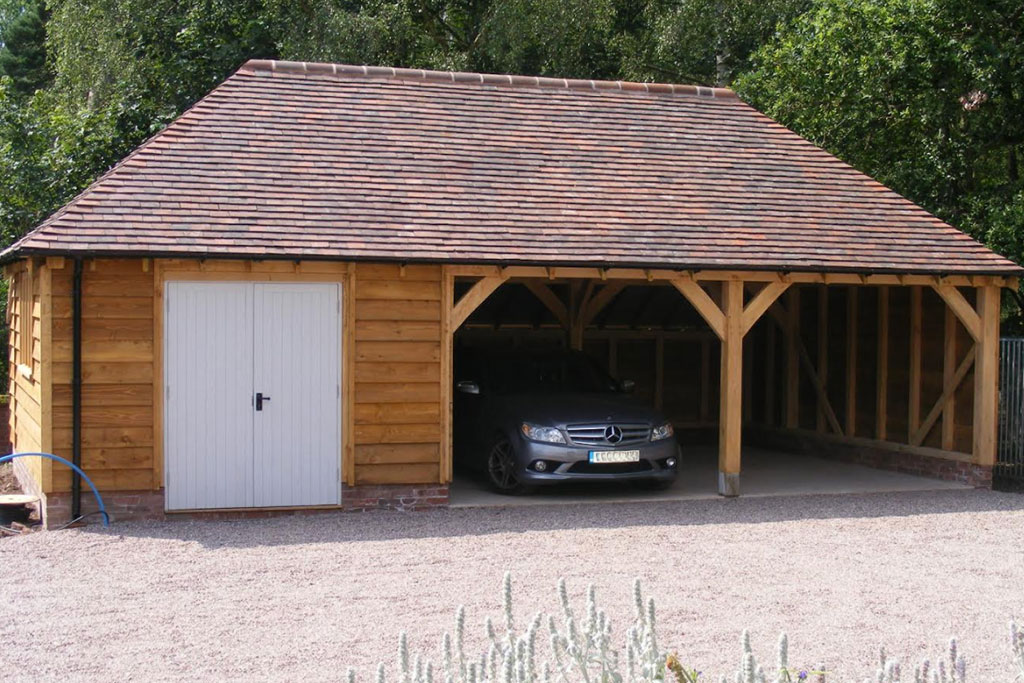 3 Bay Garage With Door